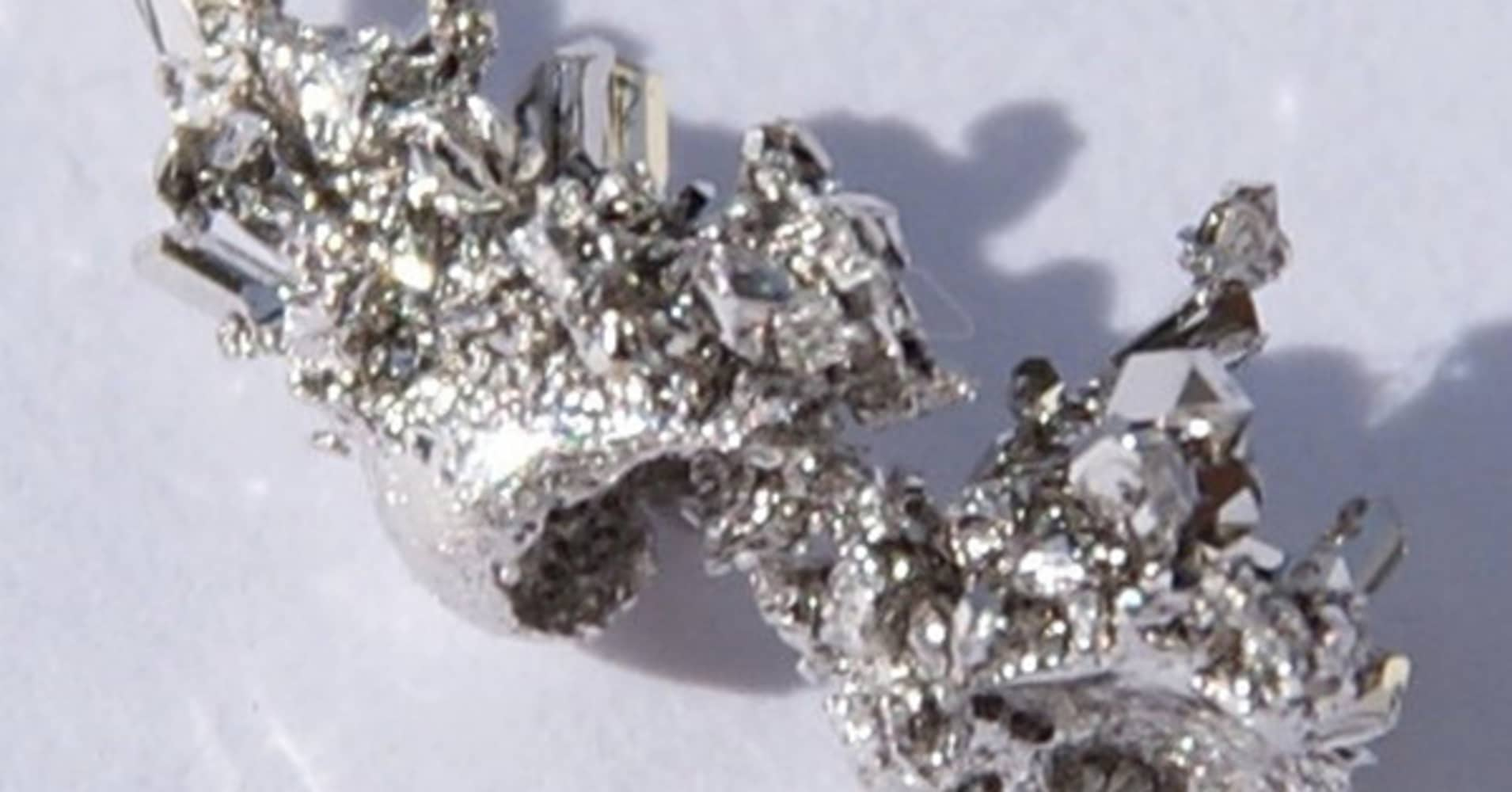 investors feeling rosy for palladium due to squeezed supply auto demand