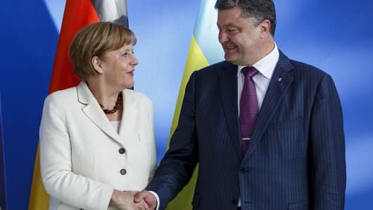 496292775CK035_Merkel_Meets