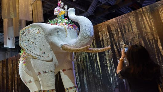 A life-size elephant made of Massa Ticino sugarpaste, chocolate, meringue and pastries exhibite at the Fantasia by Escriba, which showcased larger-than-life confections in a three-day show in Singapore.