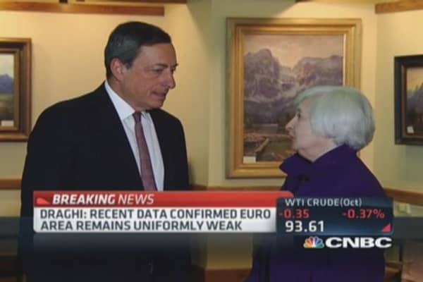 Draghi: See diverging paths of US-Euro monetary policies