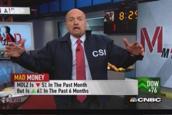Cramer investigates left-for-dead restaurant stocks
