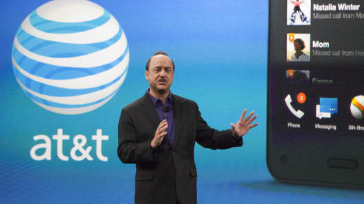 Ralph de la Vega, president and CEO of AT&T Mobility