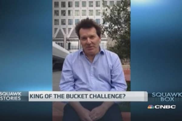 Top HSBC economist takes the ice bucket challenge