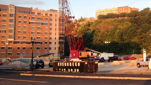 Landsea plans to construct condos in Weehawken, NJ.