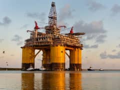 Royal Dutch Shell oil platform