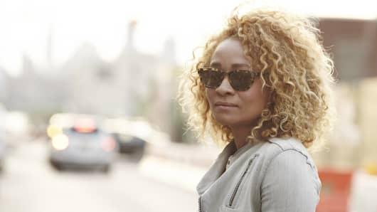 Frameri customer wearing interchangeable sunglasses