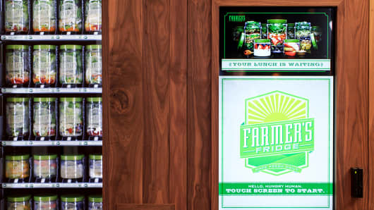 A start-up company, Farmer's Fridge, has started selling salads from a vending machine at the Chicago Marriott O'Hare as demand grows for healthy food.