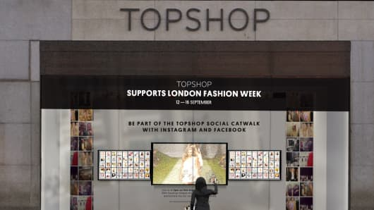 Topshop London Fashion Week interactive window