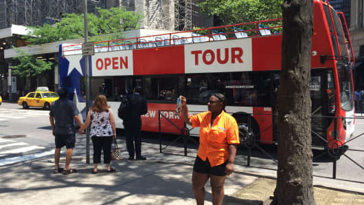 Shawnta Brown worked a summer job at Skyline Sightseeing in New York City, getting paid commission only to sell bus tickets to tourists.