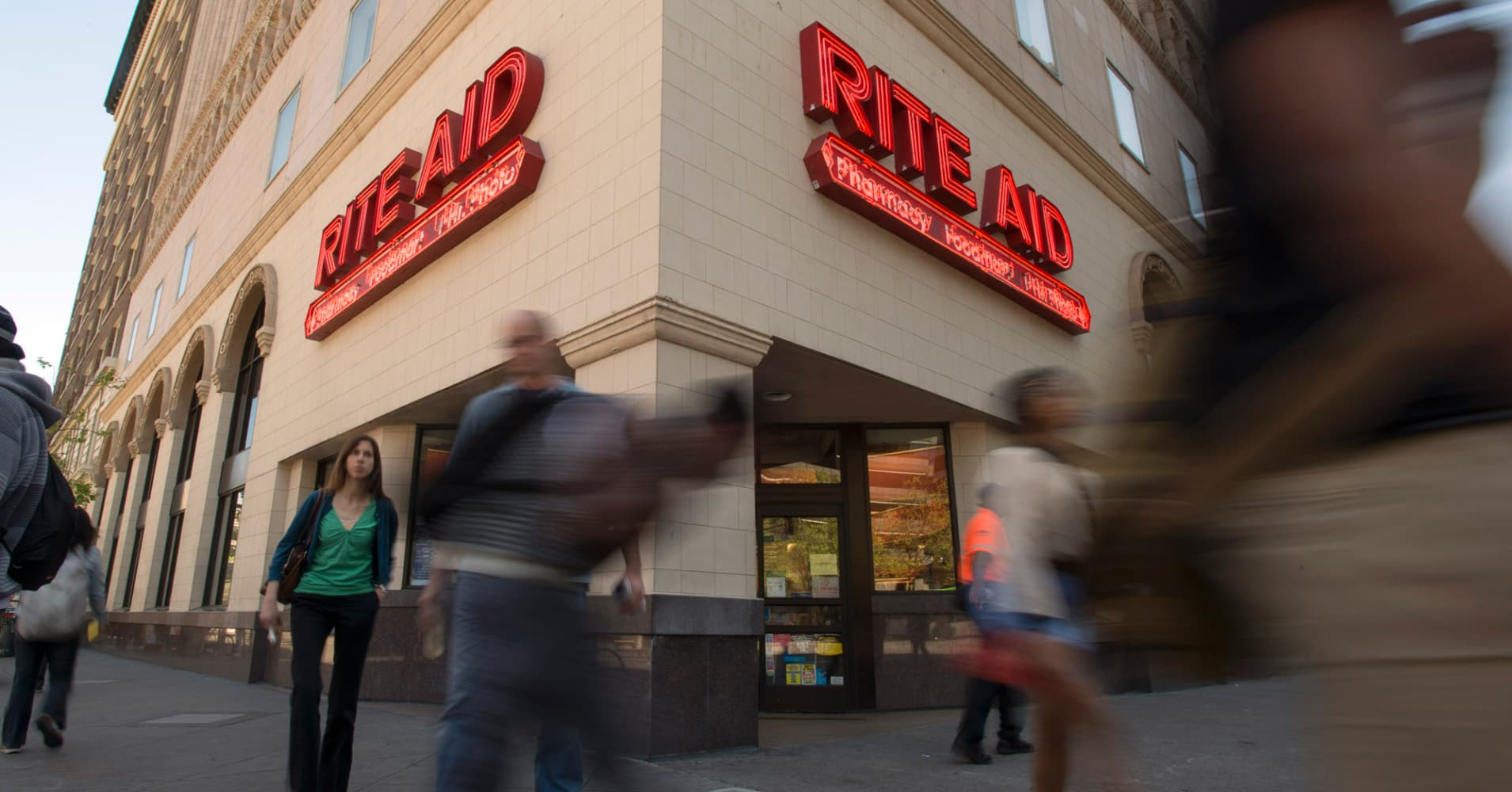 rite aid shares plunge after walgreens cuts acquisition price