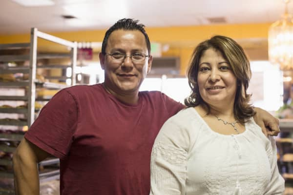 Small business hispanic couple latino