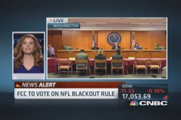 FCC votes on NFL blackout rules
