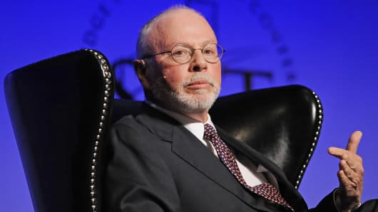 Elliott Management founder and CEO Paul Singer speaks during the SkyBridge Alternatives conference in Las Vegas, May 9, 2012.