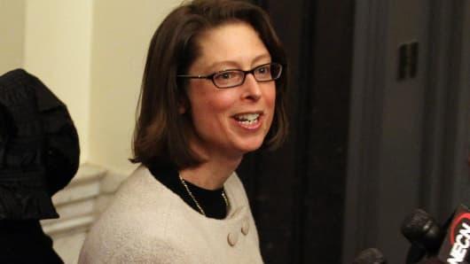 Abigail Johnson Named Ceo Of Fidelity