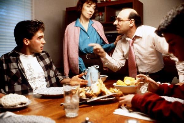 family argument, family fight, family dinner table