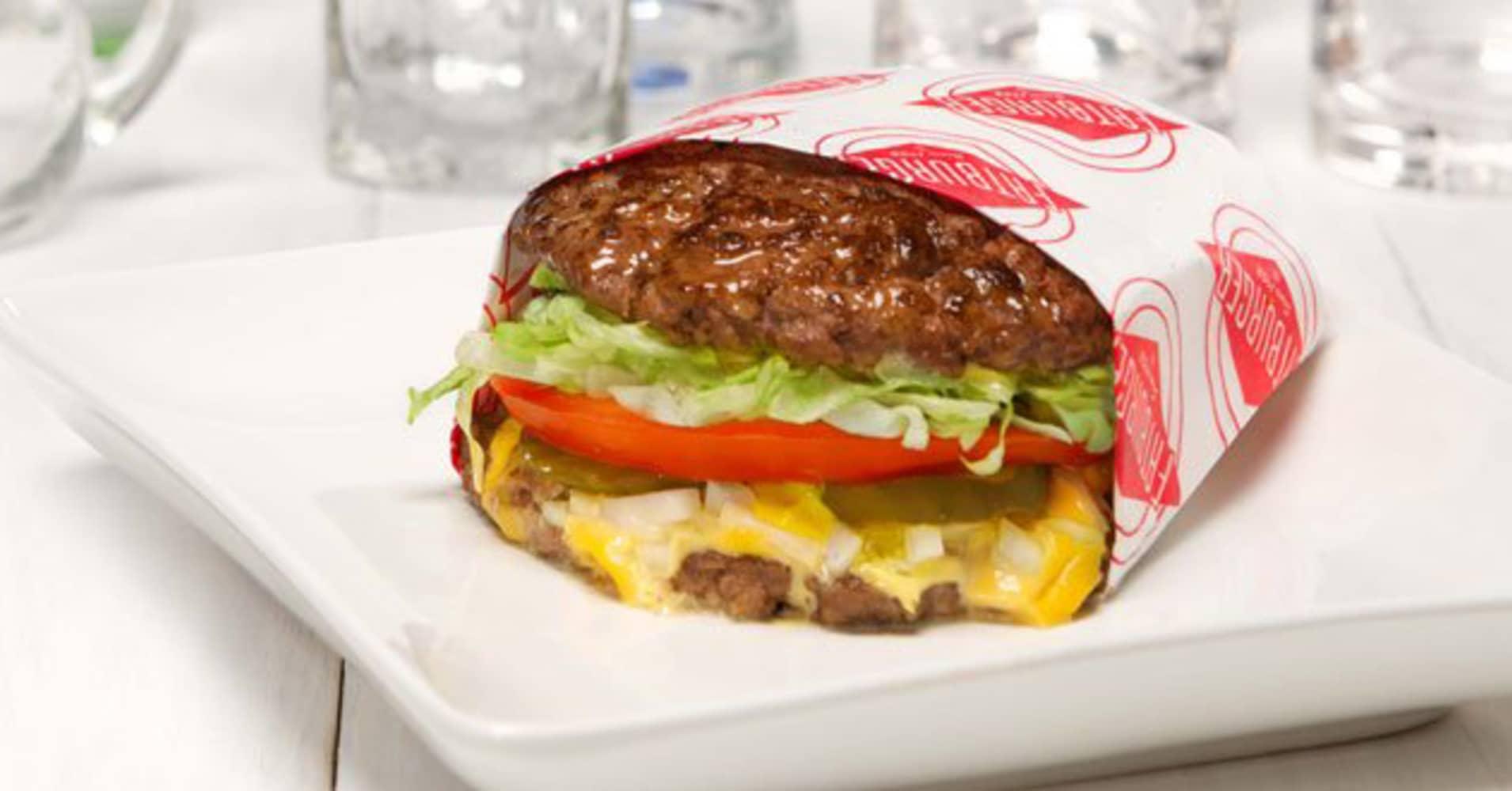 fatburger 39 s 39 skinny burger 39 has an all meat bun. Black Bedroom Furniture Sets. Home Design Ideas