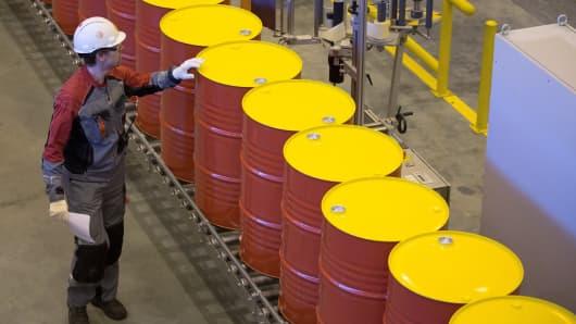Oil barrels prices Royal Dutch Shell Plc