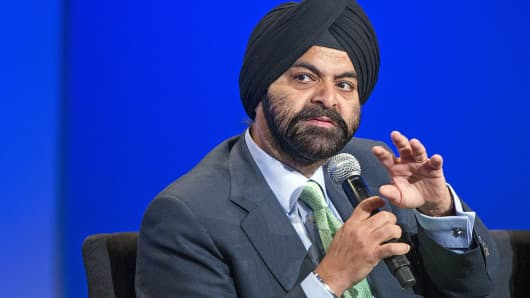 MasterCard President and CEO Ajay Banga speaks at the US-Africa Business Forum in Washington, Aug. 5, 2014.