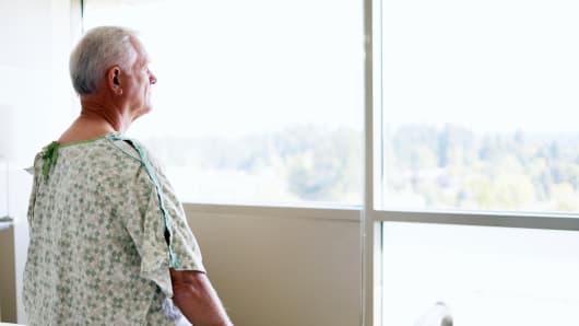 elderly patient, senior citizen hospital, doctor senior