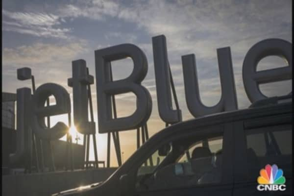 JetBlue to Add Seats to Planes, Boost Bag Fees