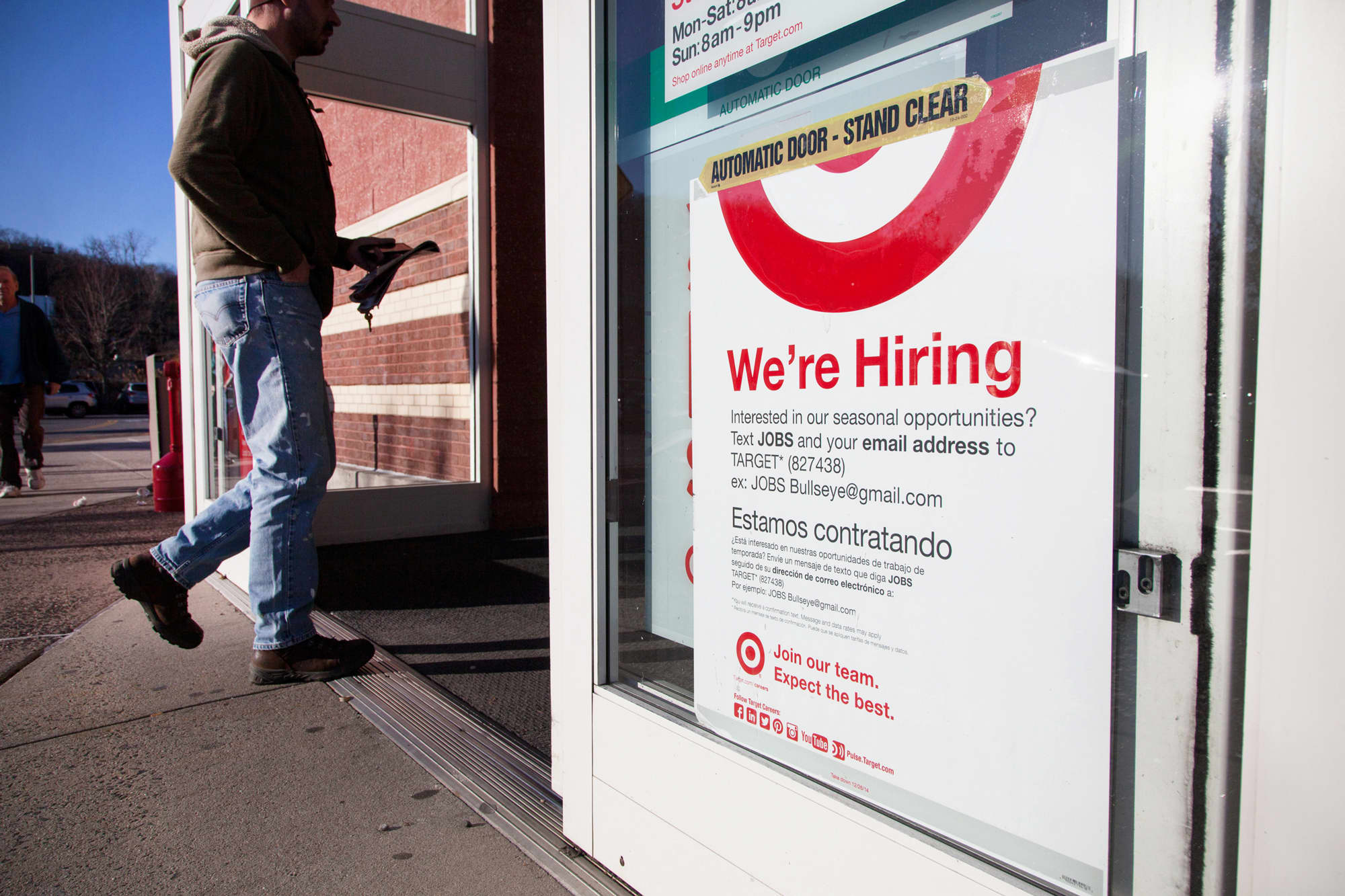 us jobs market seen fairly healthy despite slowing economy