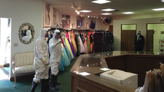 Coming attractions bridal, Amber Vinson bridal gown, ebola bridal