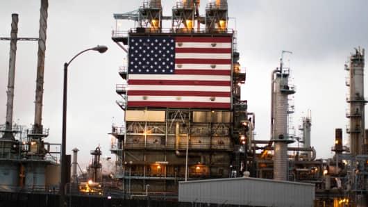 Tesoro's oil refinery in Los Angeles