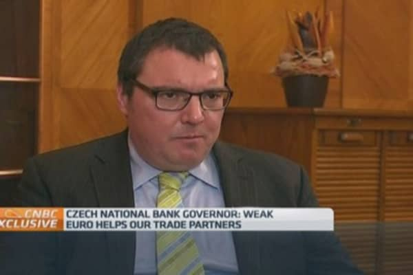 Weaker euro helping us: Czech central bank chief
