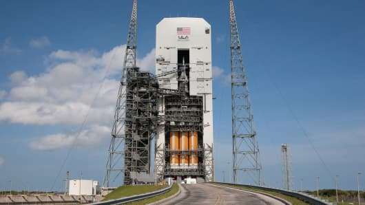 The United Launch Alliance Delta 4 rocket carrying NASA's first Orion deep space exploration craft at Cape Canaveral Air Force Station's Space Launch Complex 37, Dec. 3, 2014.