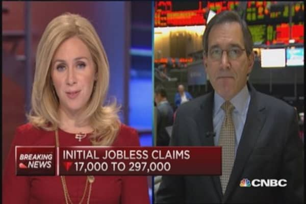Initial jobless claims drops 17,000 to 297,000
