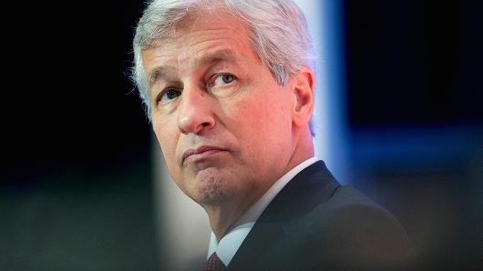 JPMorgan's 3Q earnings fall 8 percent, still beat estimates