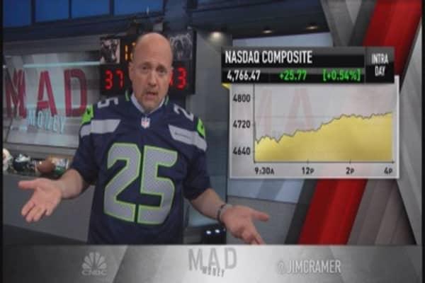 Cramer views market like NFL