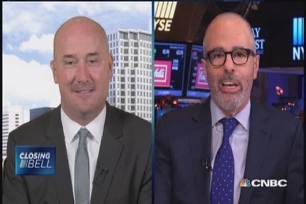 Two pros debate trade on Russia