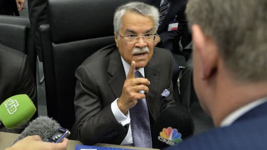 Saudi Oil Minister Ali al-Naimi speaks to journalists ahead of the166th ordinary meeting of the Organization of the Petroleum Exporting Countries, OPEC, at their headquarters in Vienna, Austria on November 27, 2014.