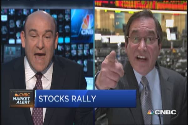 Santelli: Debating rates crazy