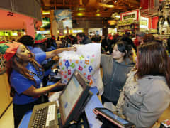 holiday shopping retail sales Toys R Us