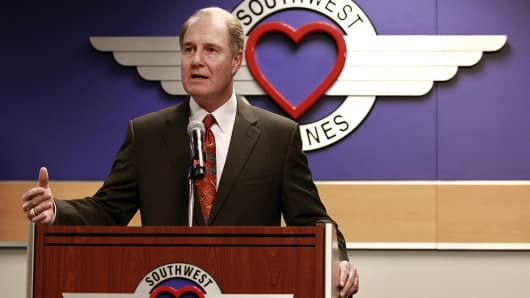 ceo gary kelly and southwest airlines essay Southwest airlines co confirms an accident involving southwest airlines flight 1380 the flight made an emergency diversion to philadelphia international ai.