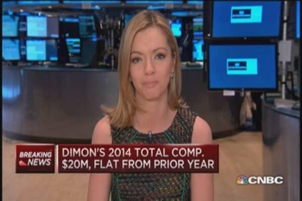 Dimon snags first cash bonus since 2011
