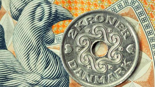 A Danish 2 kroner coin