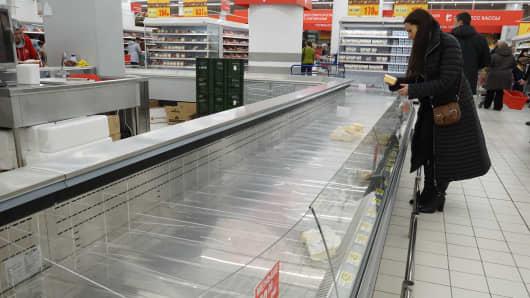 Russia sanctions economic crisis