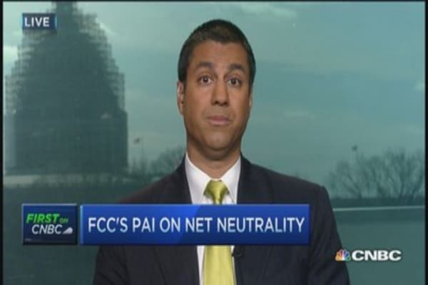 FCC commissioner opposes Obama's Internet plan