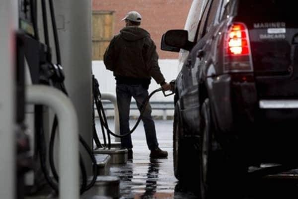 Low gas = auto sales boom?