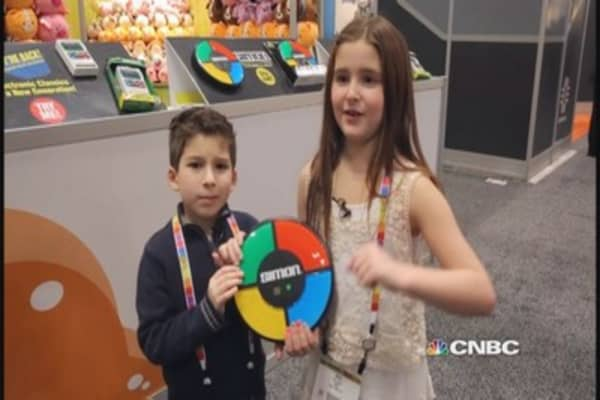 Mini analysts take on Toy Fair