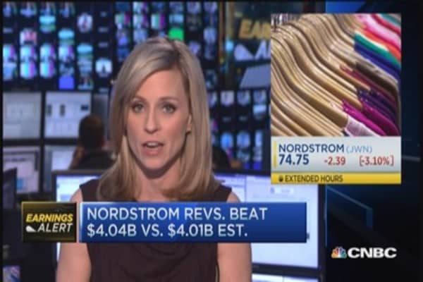 Nordstrom issues weak 2015 outlook