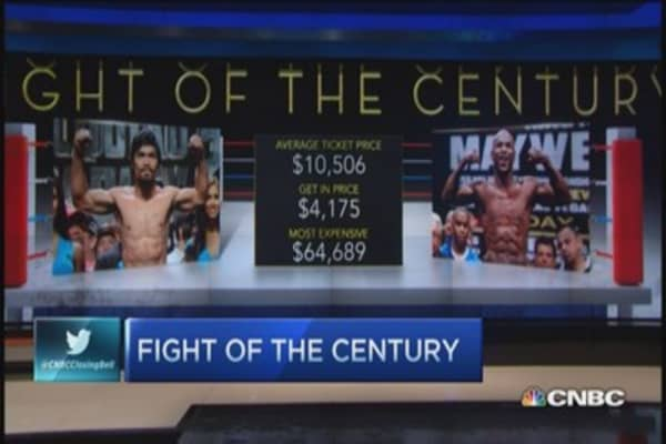 Boxing's big buck payouts ... to old men
