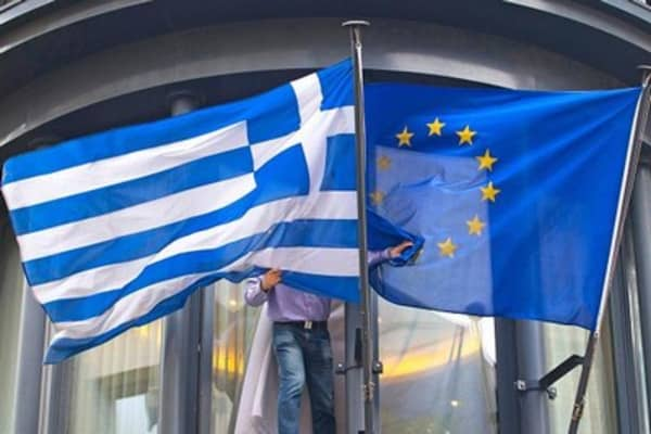 Buffett tackles the Greek debt crisis