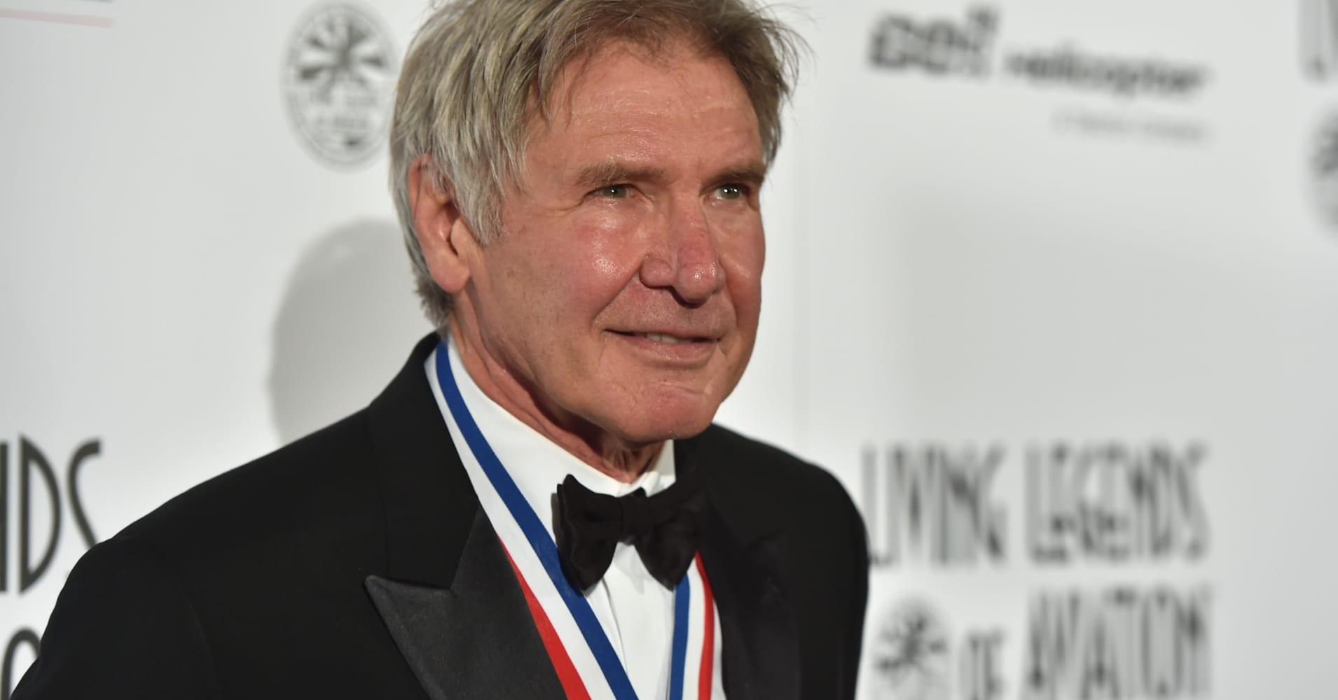 Star Wars star Harrison Ford called himself a 'schmuck' after plane incident