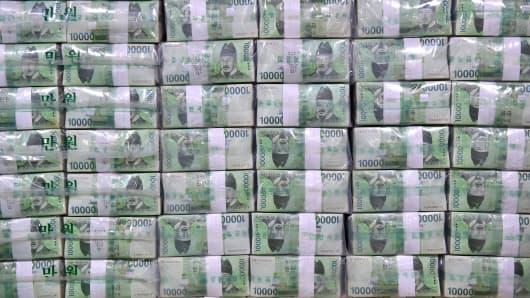 Bundles of South Korean bank notes
