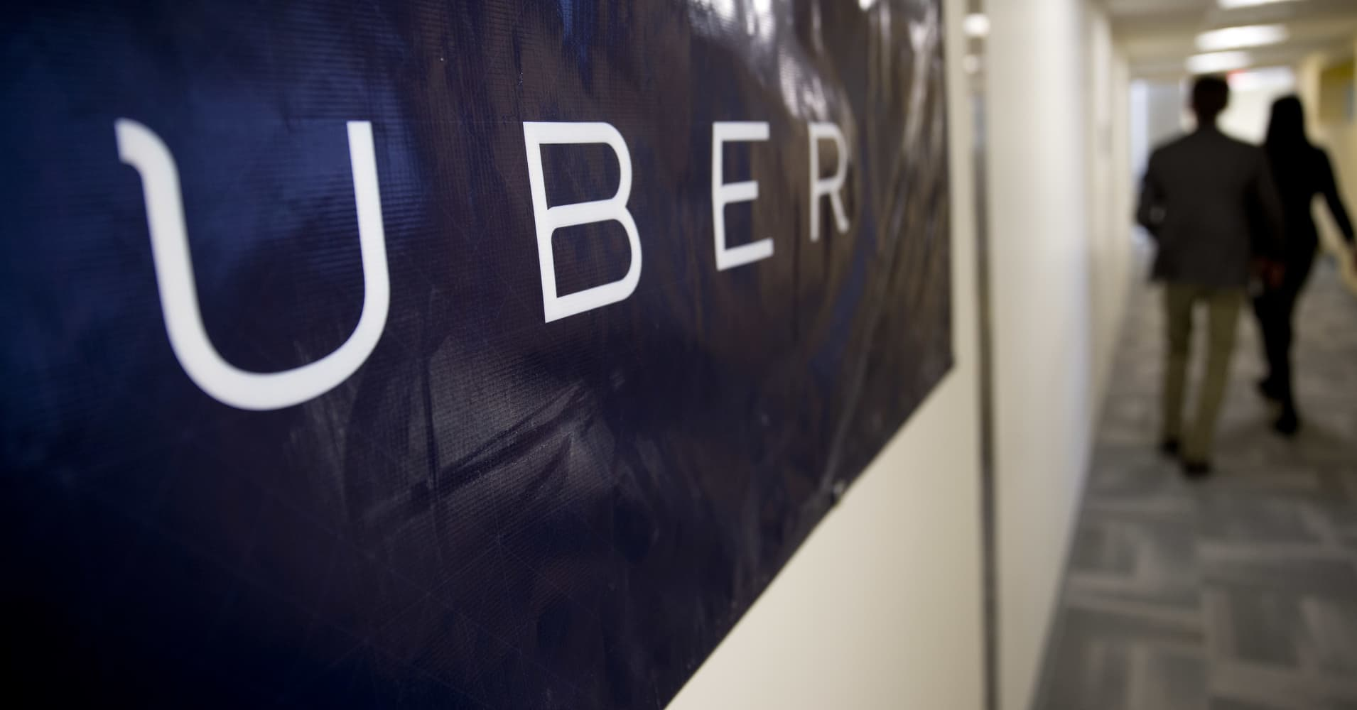 Two executives to leave Uber, adding to departures
