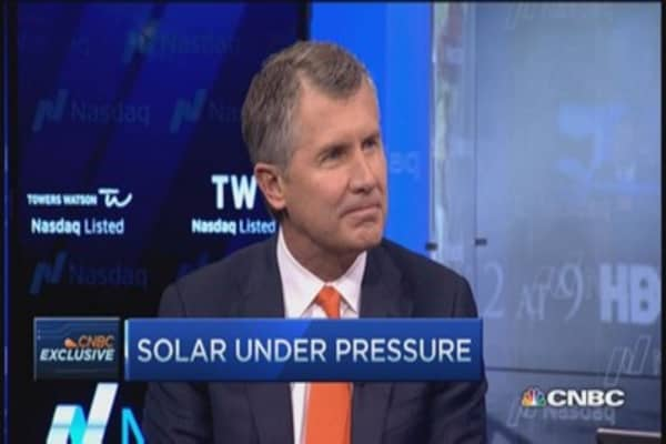Solar stocks under pressure as crude falls